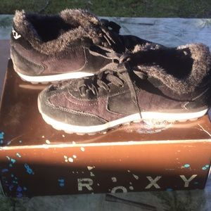 Roxy sneakers with Flaux fur & box